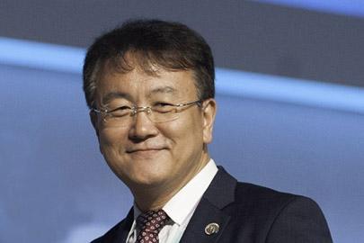 Interview with Chaesub Lee, Director of the Telecommunication Standardization Bureau, International Telecommunication Union